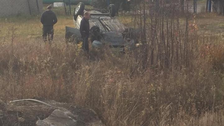 Водителя раздавило: в Самарской области «Калина» перевернулась на крышу