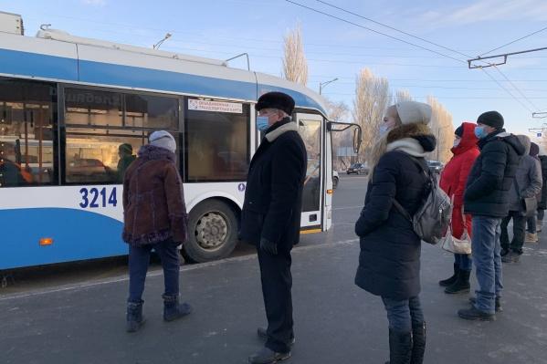 Режим работы общественного транспорта решили сильно не менять из-за пандемии коронавируса