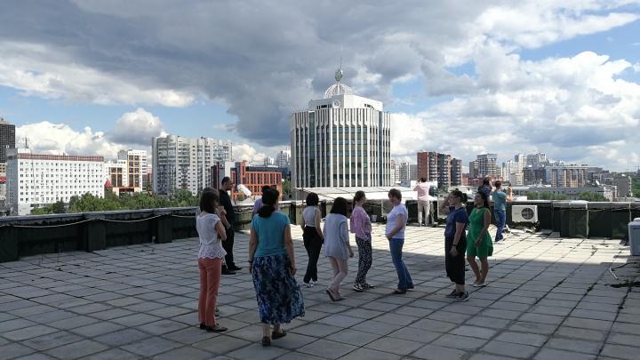«Это единственный способ не сойти с ума»: как эпидемия изменила отношение к крышам многоэтажек