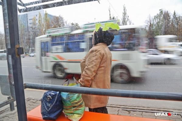 Нелегалы исчезают с улиц, но негодование пассажиров только растет