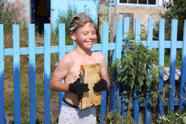 У 12-летнего Матвея с рождения диагноз «ДЦП», но своим упорством он добился поразительных результатов в спорте и в быту