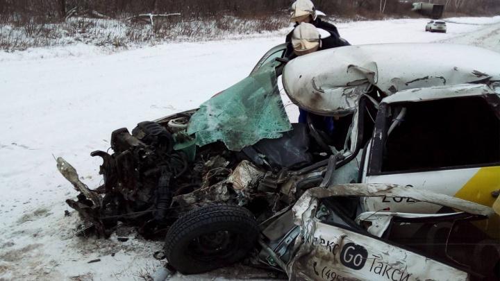 Виновата непогода: в Самарской области в ДТП погиб водитель такси