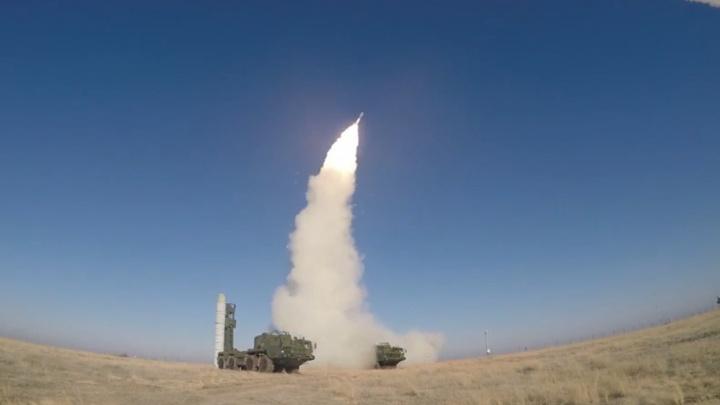 Самарские военные приняли на вооружение систему С-400 «Триумф»