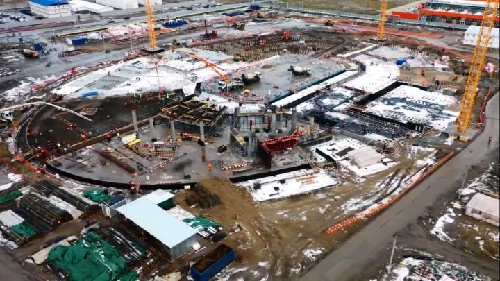 Рабочие начали строить первый этаж «Арены Омск»
