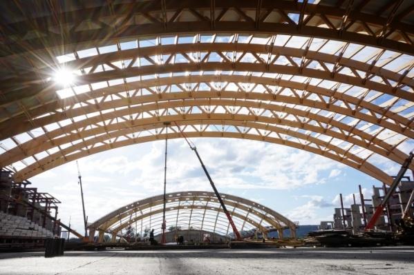 Сейчас на Притомском проспекте идёт строительство ледового дворца «Кузбасс»