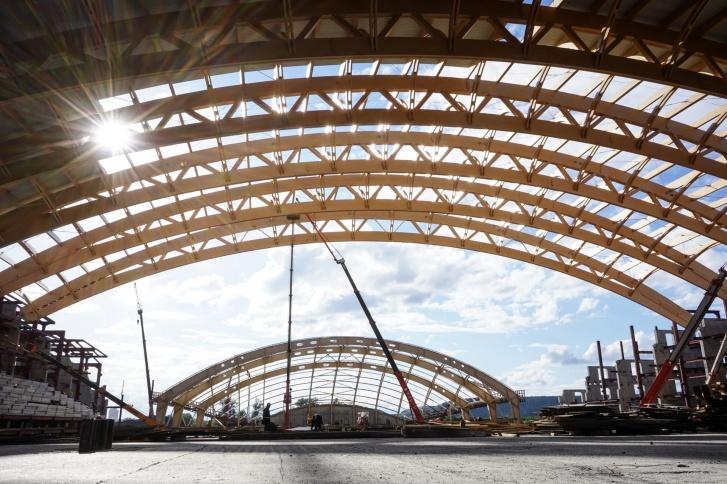 «Кузбасс-Арена» vs ледовый дворец «Кузбасс»: рассказываем о двух спорткомплексах на Притомском
