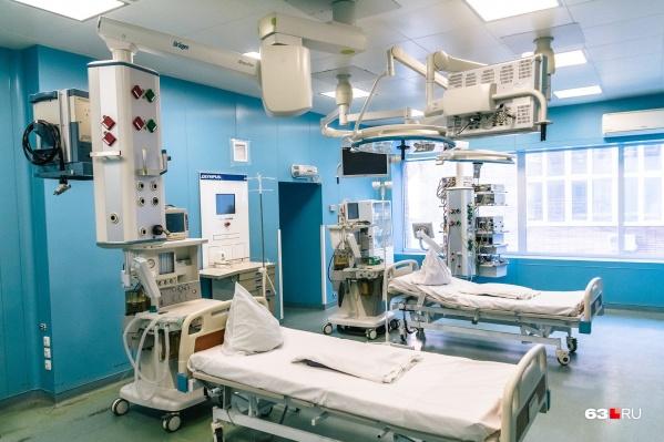 Решение о выделении коек в кардиоотделениях связано с тем, что часто у пациентов с коронавирусом возникают проблемы с сердечно-сосудистой системой