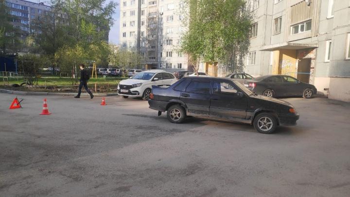 В Ленинском районе ВАЗ сбил мальчика-велосипедиста. Ребёнка увезли в больницу