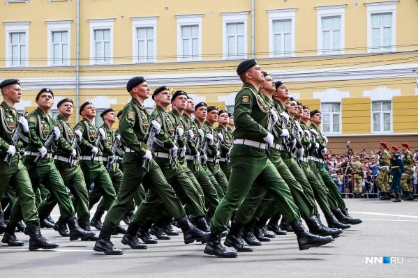 В Министерстве обороны сообщили, что военный парад в Нижнем Новгороде откроет легендарный танк Т-34