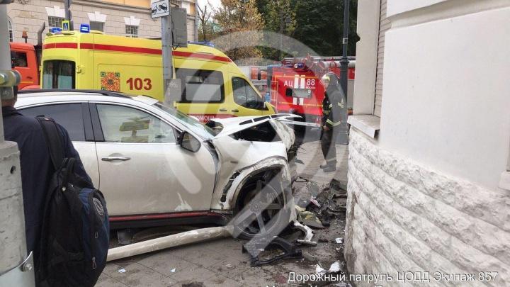 Рэпер Эльмин Гулиев, сбивший прохожих на тротуаре в центре Москвы, оказался бывшим омичом