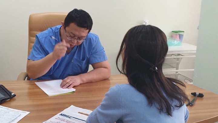 В Новосибирске осталось очень мало настоящих китайских врачей