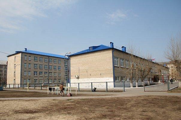 На уроке физкультуры в тюменской гимназии умер одиннадцатиклассник