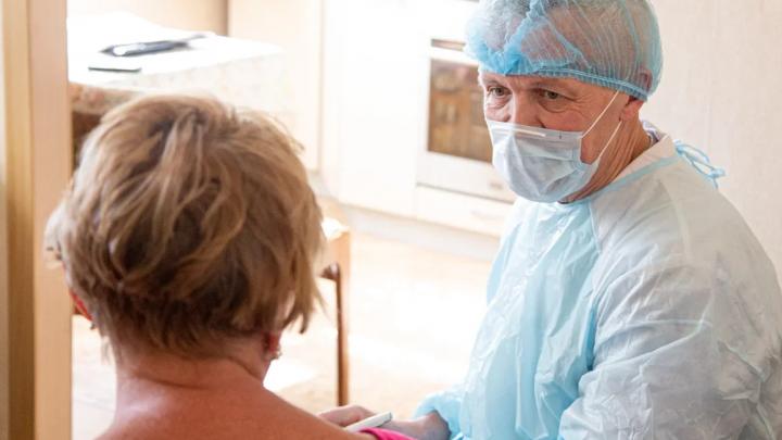 «Требуют выдать им лично врачей»: в Нижнем Новгороде участились случаи провокаций против медиков