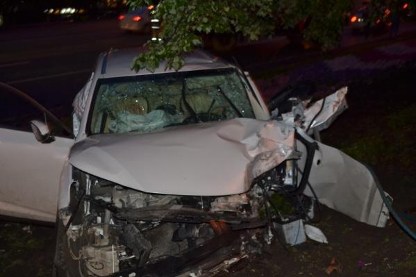 Двух пассажирок машины увезли в больницу с травмами