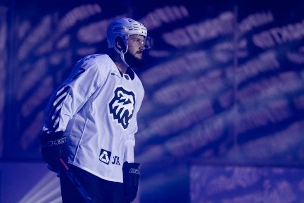"""Уже вторую игру хоккеисты «Трактора» играют <a href=""""https://74.ru/text/sport/69436123/"""" target=""""_blank"""" class=""""_"""">в новой форме</a>&nbsp;"""