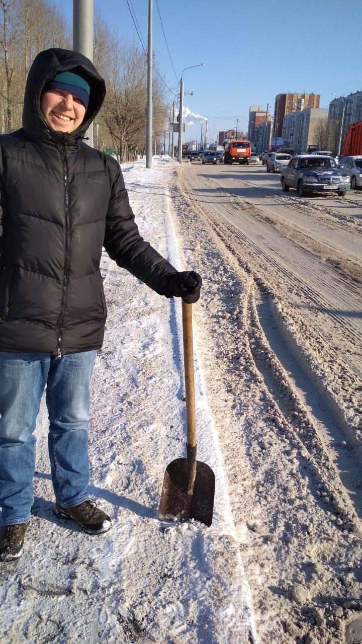 Ученые из УрО РАН специально приезжали в Тюмень, чтобы набрать грязного снега для исследования