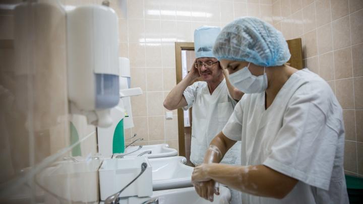 В Кузбассе за год стало меньше врачей. Исключение — терапевты, хирурги и ЛОРы