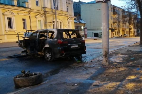 Также стало известно о состоянии обгоревшего водителя Lexus