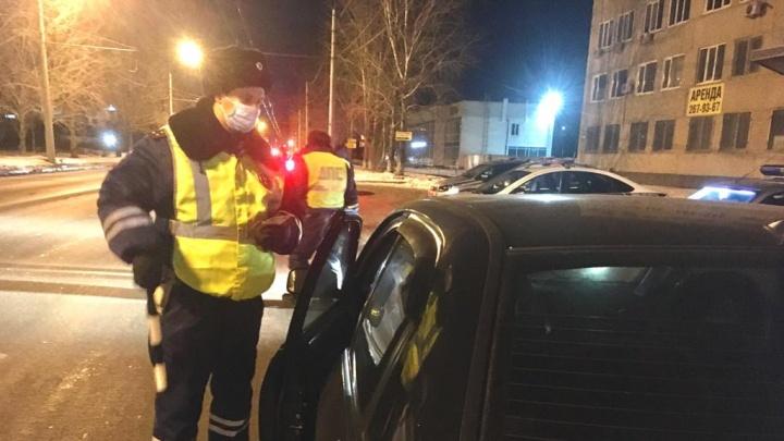 В Екатеринбурге за ночь поймали 5 пьяных автомобилистов и 9 водителей без прав