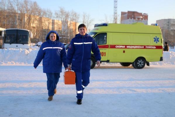 Сотрудники скорой помогли малышке, отравившейся салициловой кислотой