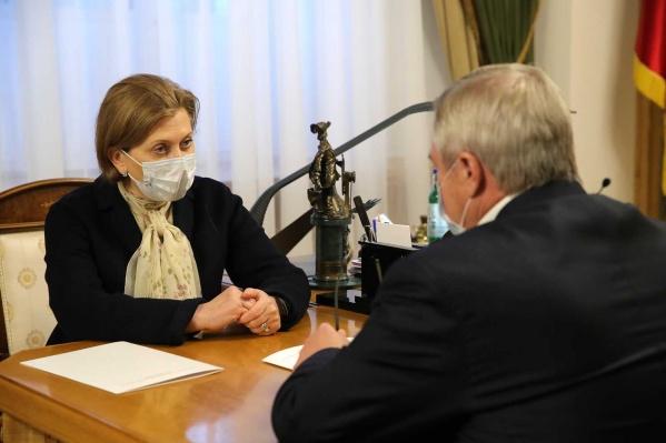 Главной целью визита Анны Поповой назвали обсуждение проблемы с санитарным контролем на границе с Украиной в Ростовской области