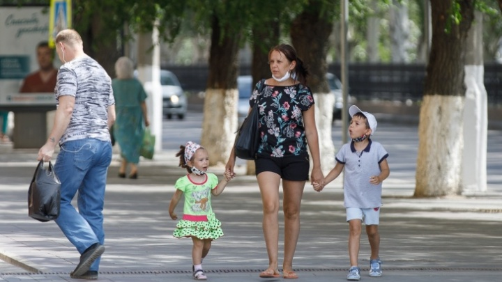 Так совпало: в последний день голосования новосибирцам стали перечислять обещанные 10 000 на детей