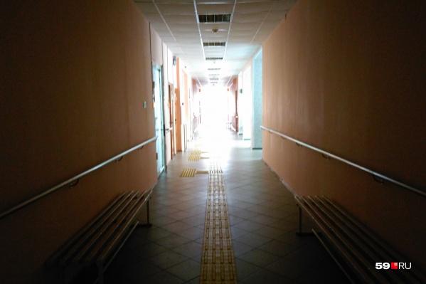 Пока учебные заведения пустуют — школьники на дистанционном обучении