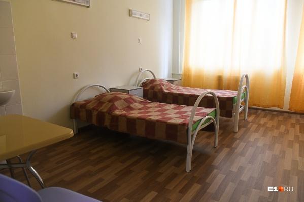 Свободных мест в инфекционных больницах Екатеринбурга почти не осталось