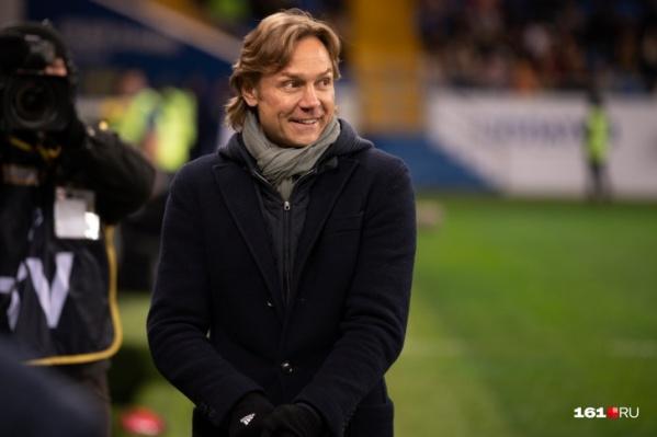 Валерий Карпин сказал, что новость об его уходе в «Локомотив» его рассмешила