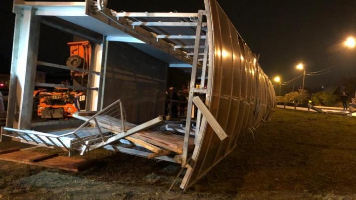 На Челябинском тракте в феврале наконец восстановят пешеходный мост, который снес самосвал