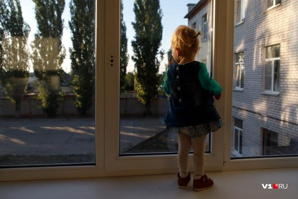 «Как можно посадить четырёхлетнего ребенка на самоизоляцию одного?»