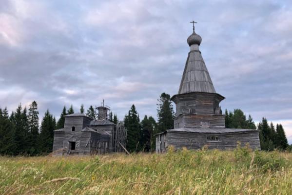 Церкви в селе Пурнема, которыми будет заведовать Кенозерский парк