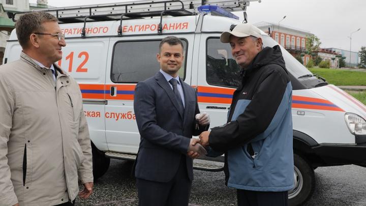 «Уралкалий» передал соликамским спасателям автомобиль для ликвидации аварий и катастроф