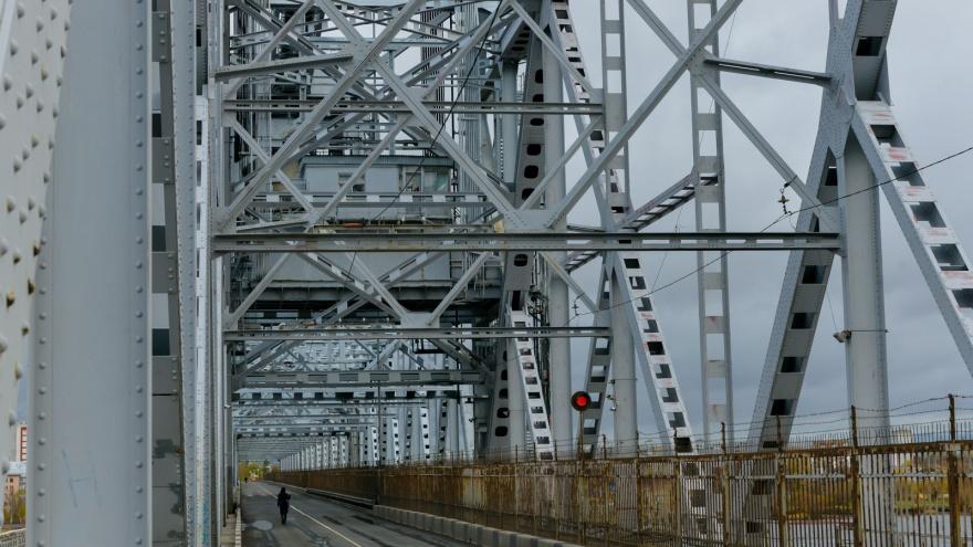 Северодвинский мост из-за ремонта будет закрыт на 2,5 часа дольше, чем планировалось