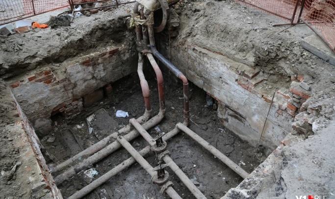 «До ЖЭУ дозвониться не можем»: жители пятиэтажки на Ангарском страдают от засухи в кранах