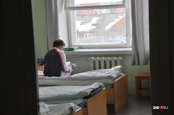 Родственники госпитализированных стариков не могут найти правды