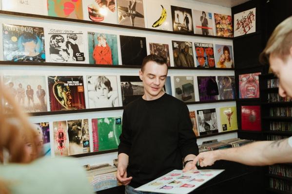 Максим Бондарев — участник музыкального проекта «Будни»