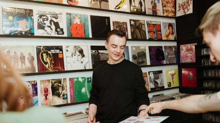 «Вместо бизнес-плана — энтузиазм»: как в Ростове продают виниловые пластинки и ищут плюсы в кризисе