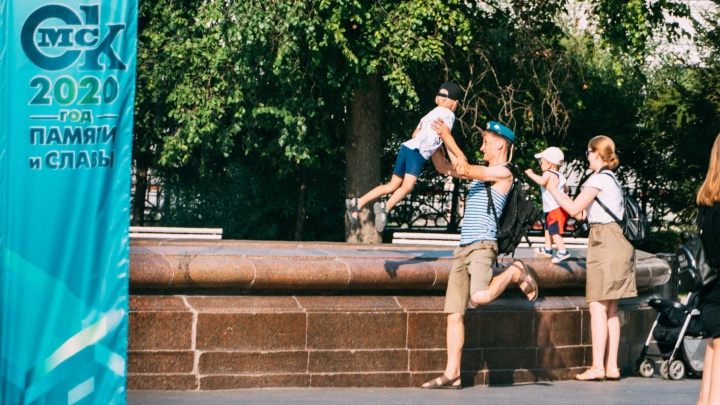 Без фонтанов: 10 фото с празднования Дня ВДВ в Омске