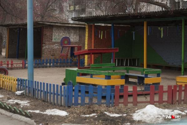 В детских садах сейчас пустынно
