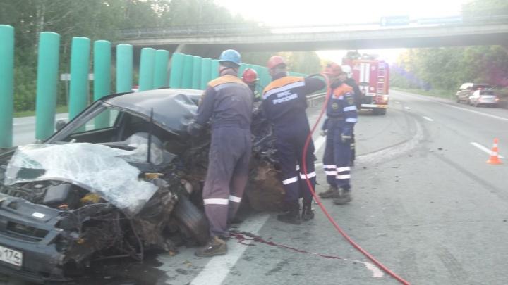 Водитель Lada с челябинскими номерами устроил лобовое ДТП на Тюменском тракте и погиб
