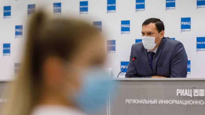 «Не берите больше, чем надо»: зампред облздрава объяснил отсутствие лекарств в аптеках Волгограда нездоровым ажиотажем