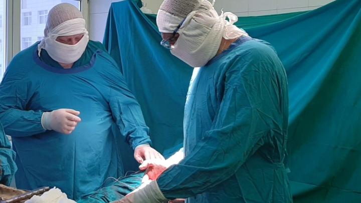 «Костная ткань практически отсутствовала»: тюменские врачи вернули женщине возможность ходить