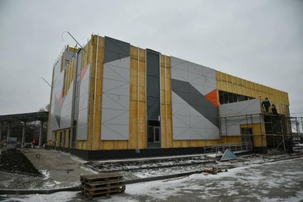 Так здание автовокзала выглядело в начале ноября