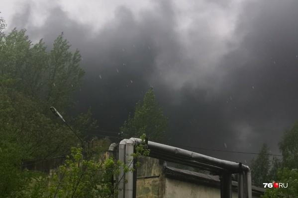 Черный дым был виден отовсюду