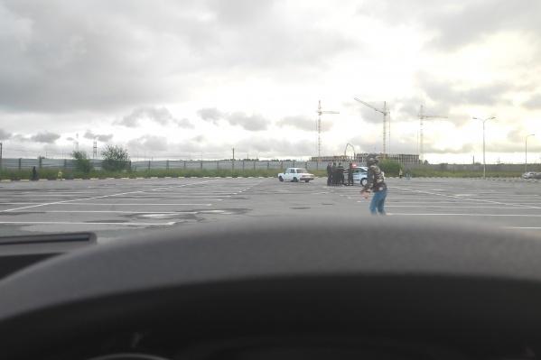 Ребенок шел с остановки
