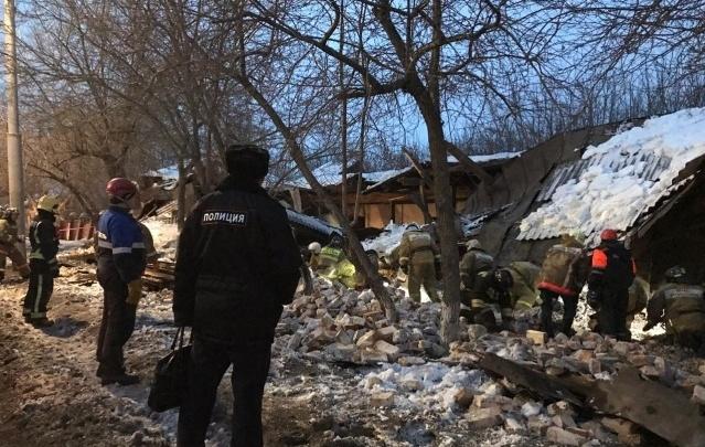 Кирпичи с рухнувшего военного склада пустят на ремонт дорог в Омске