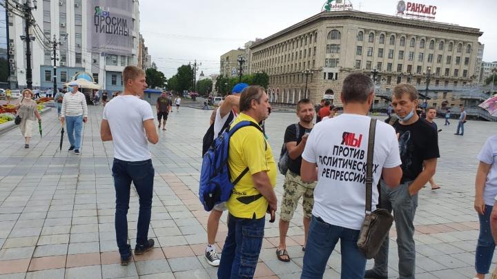 Жители Хабаровска вновь вышли на митинг в поддержку экс-губернатора Фургала: прямой эфир