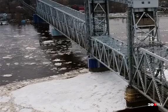 Гидрологи обещают, что ледоход в Архангельске закончится к 8 мая