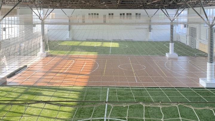 В бывших цехах телевизорного завода открыли комплекс для любителей мини-футбола